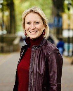 Dr. Olena Zhadko Headshot